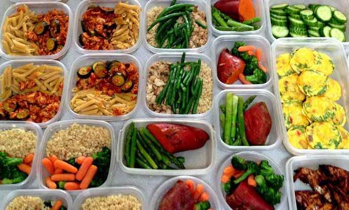 Соблюдая такую диету, придется придерживаться дробного питания.