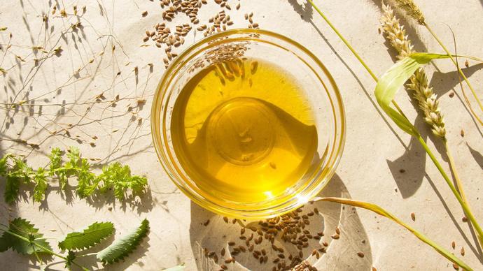 Важно приобрести высококачественное масло семян льна.