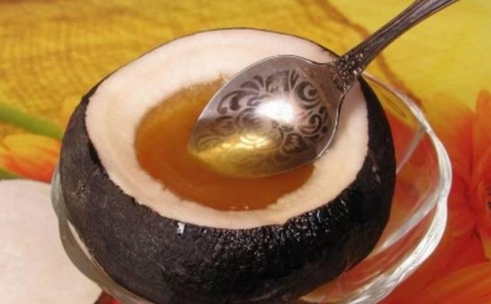 Мед используется в ряде рецептом народной медицины для лечения печени.