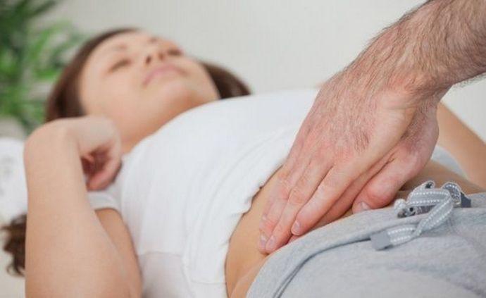 Пальпация печени ранее часто применялась как эффективный метод диагностики.