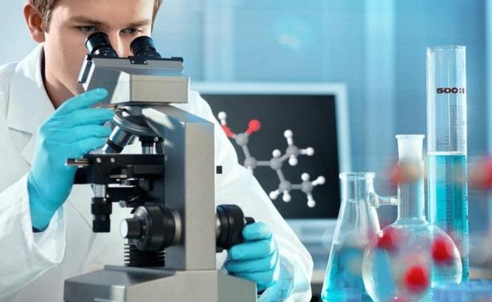 РНК вируса гепатита С может быть обнаружена при количественном анализе.