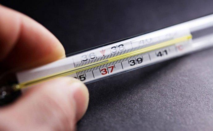 У многих пациентов долго держится субфебрильная температура при циррозе печени.