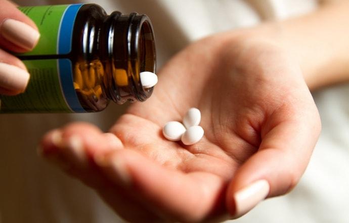 для лечения используются разные медикаменты в зависимости от причин патологии.