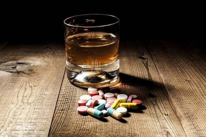 Совместимость алкоголя и Эссливер форте