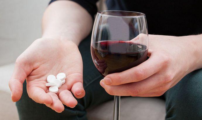 Совместимость Гептрала и алкоголя на самом деле нулевая.