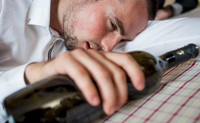 Многим из нас знакомы признаки алкогольной интоксикации.