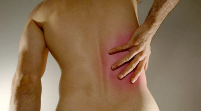 Человек может даже не подозревать, что спина у него болит из-за проблем с печенью.